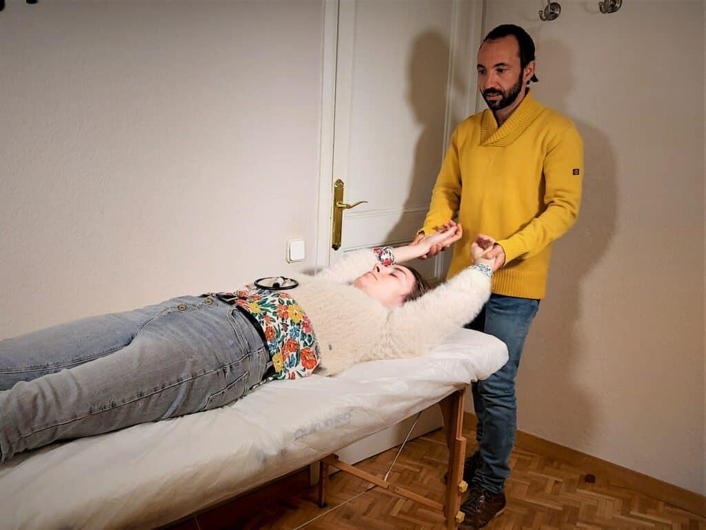 Kinesiologia Holística supera la tristeza permanente